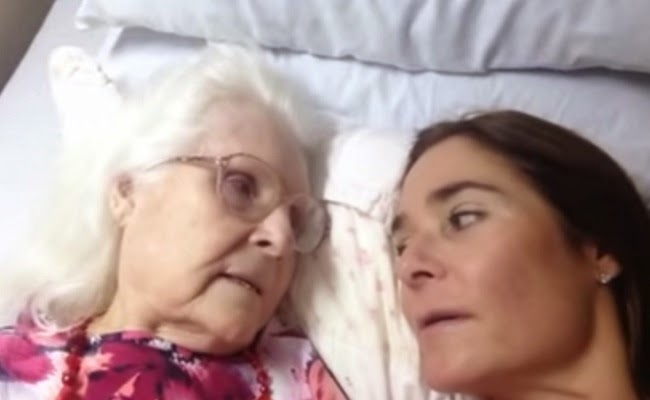 A Must-See Moment Between A Mother With Alzheimer's Disease And Her Daughter.