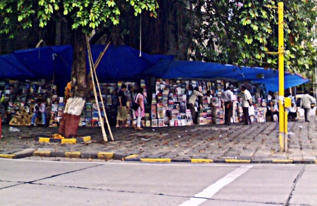 pavement book stalls