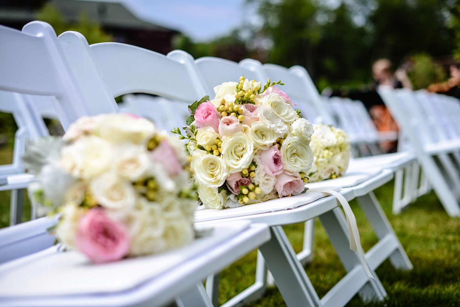 Lake Placid Wedding - The Whiteface Lodge Wedding - Blush and Cream Garden Rose Bride's Bouquet - Upstate NY Wedding - Splendid Stems Floral Designs