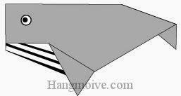 Bước 8: Vẽ mắt, vân để hoàn thành cách xếp con cá voi bằng giấy theo phong cách origami.