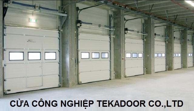 Sectional Overhead Door Cửa cuốn cách âm cách nhiệt