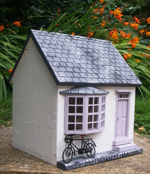 Lavender Cottage: Julie's Dolls House Blog: 1/24th Scale 'Lavender Cottage