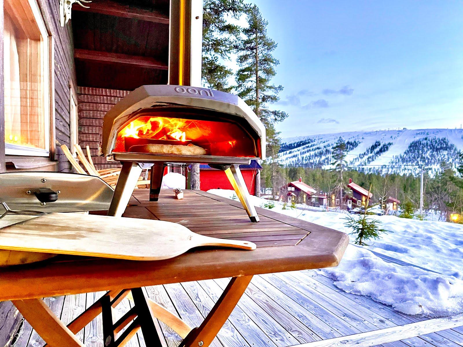 Pizza smakar gott efter en dag på fjället