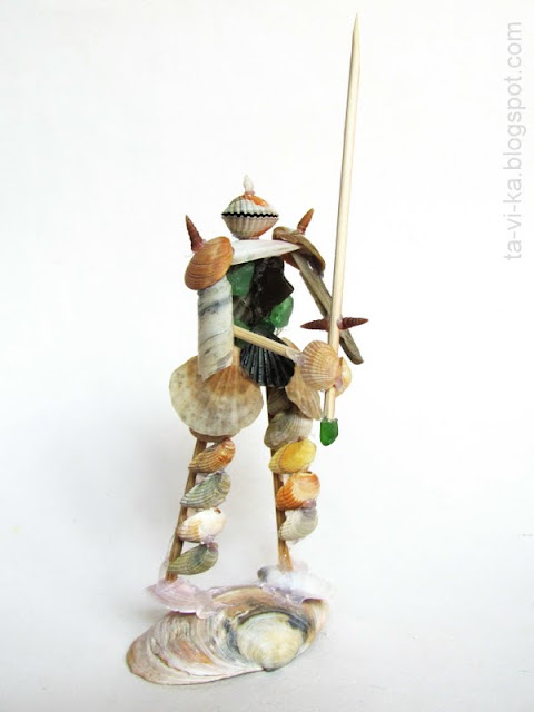 поделка из ракушек - рыцарь