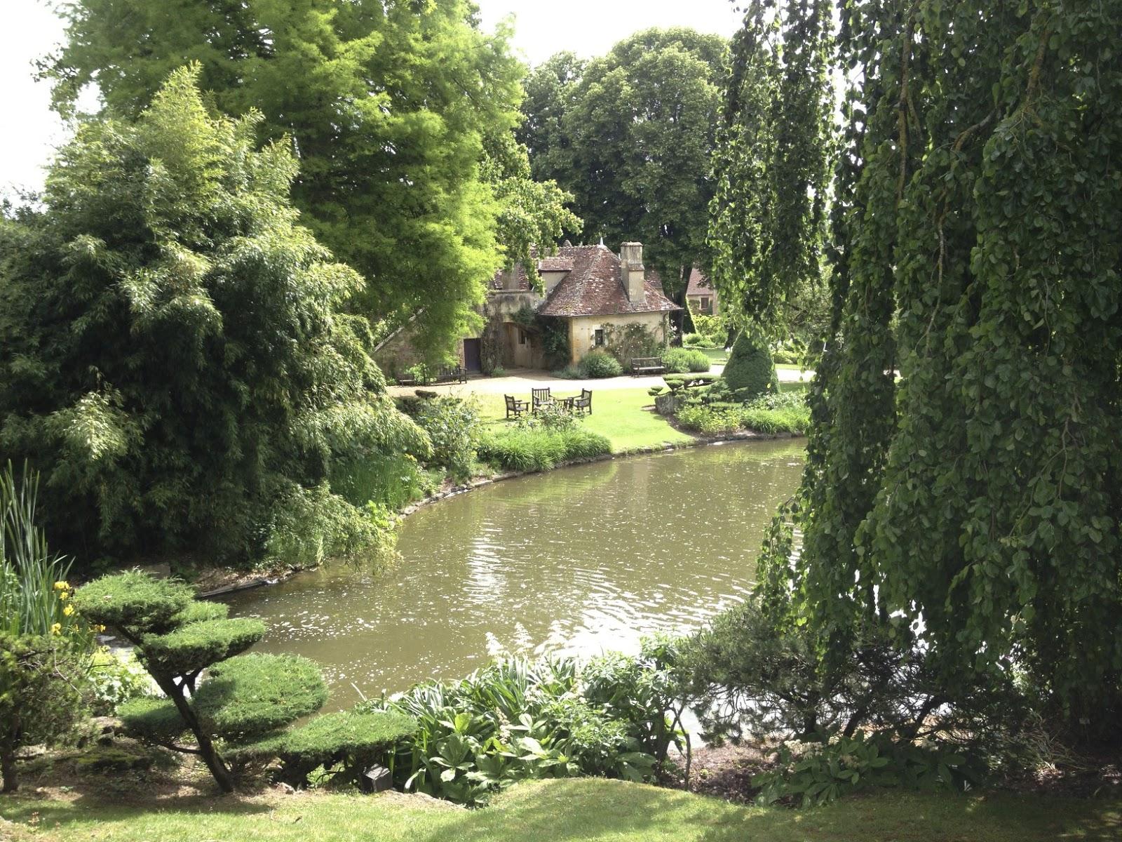 Les piqu s de la rose juillet 2013 for Apremont sur allier jardin