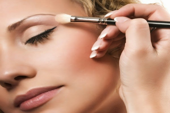 http://funkidos.com/fashion-style/makeup-styles/how-to-apply-foundation-properly