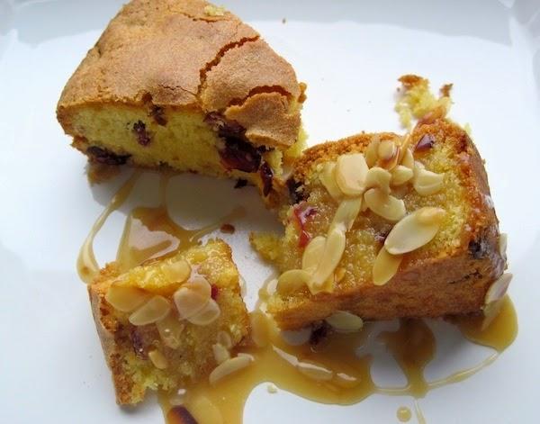 gray apron: Cranberry cake with caramel-almond sauce
