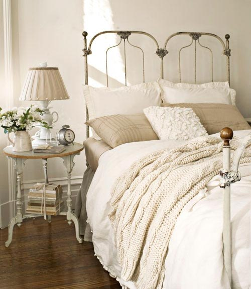French style bedroom home decorating ideas for A bedroom in french