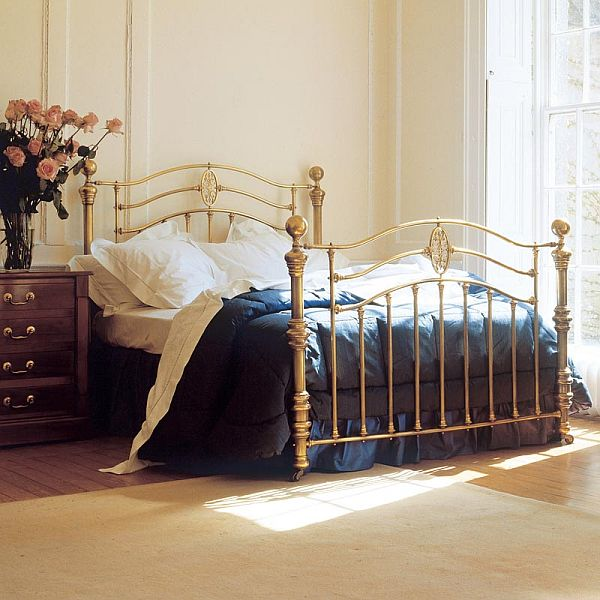 Metal Bed Bedroom Ideas Small Bedroom Colors Emo Bedroom Ideas Diy Kids Bedroom Curtains: Eye For Design: Decorate With Brass Beds.......Beauty In