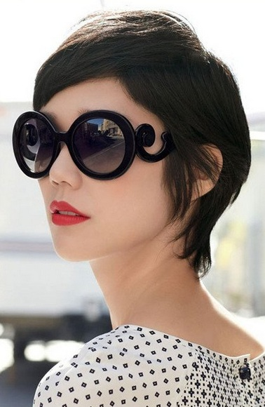 Top 10 Stunning Glasses to Lift Your Style Level