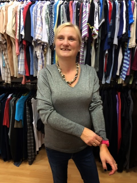 madmumof7 trying on clothes despite body image issues