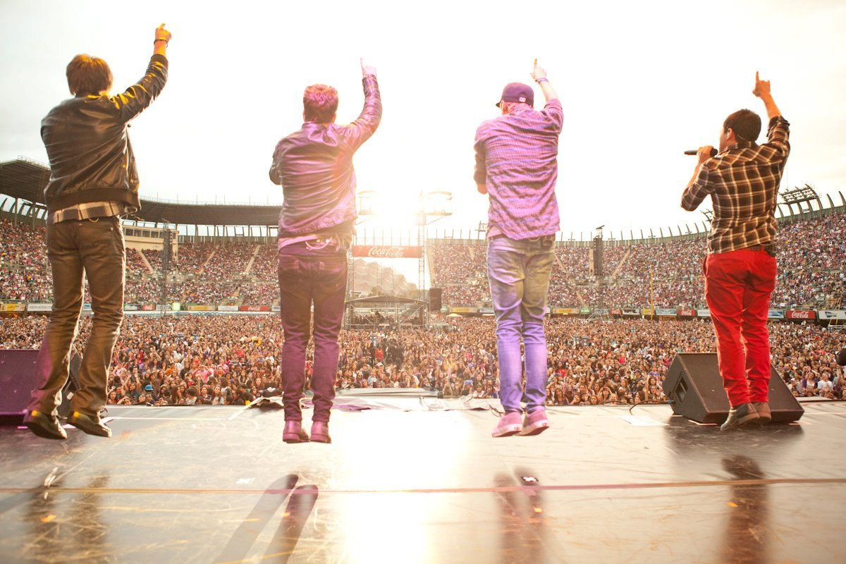 http://2.bp.blogspot.com/-VcWcW-rulVs/TvwHLBLpbqI/AAAAAAAACCk/UDoy4En-R8Q/s1600/Big-Time-Rush-concert-in-Mexico-City-fans-big-time-rush-25915174-1200-800.jpg