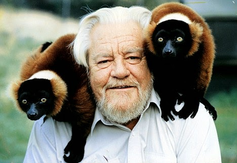 http://www.dailymail.co.uk/tvshowbiz/reviews/article-2001746/My-Family-And-Other-Animals-Durrell-gets-revival-deserves.html