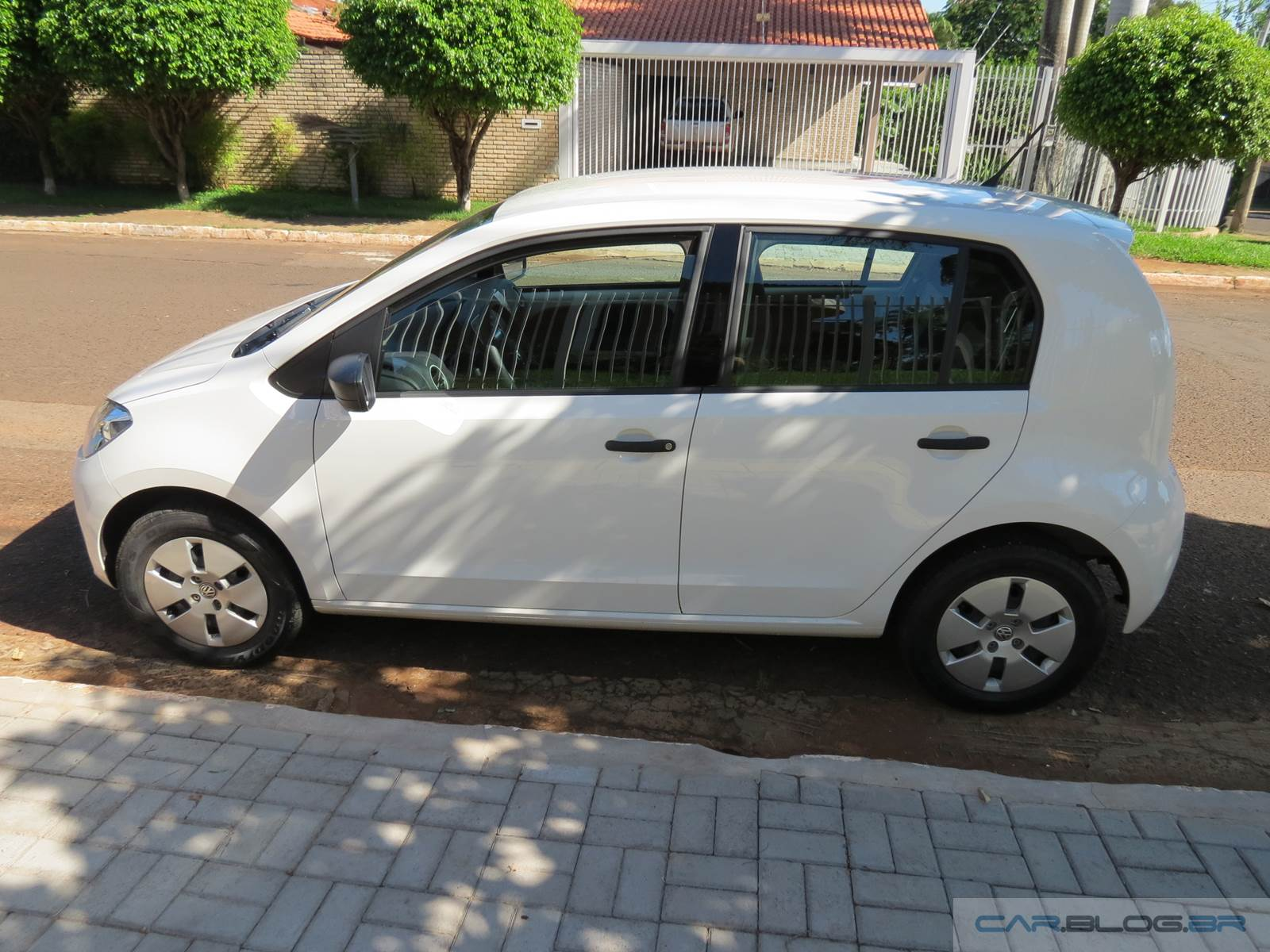 Volkswagen up! 2015 - take