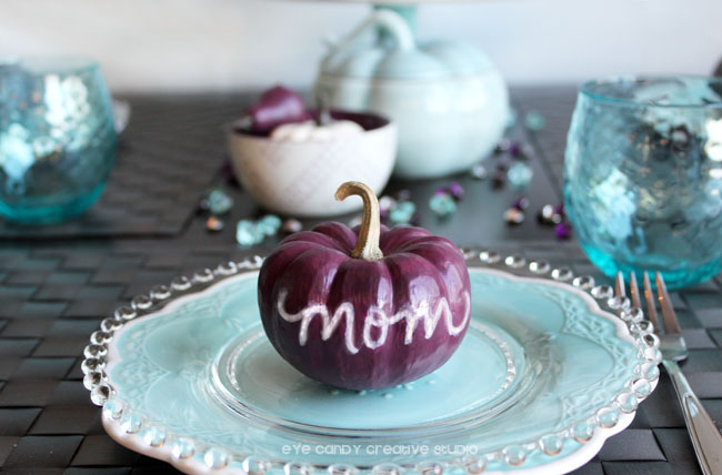 MOM placecard, pumpkin placecard for thanksgiving, purple pumpkin