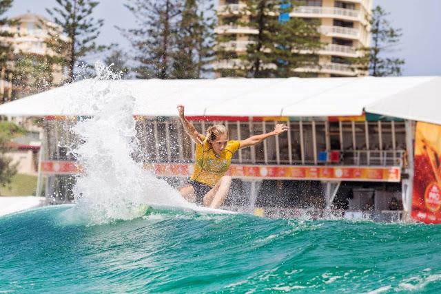 20 Roxy Pro Gold Coast 2015 Stephanie Gilmore Foto WSL Kelly Cestari