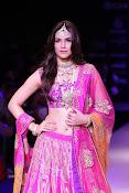 Kriti Sanon latest glamorous raml walk-thumbnail-1
