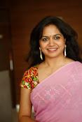 Singer Sunitha dazzling saree photos-thumbnail-10