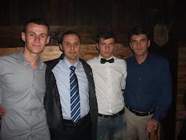 Cu elevii Iulian Urdă, Cosmin Motfolea  şi Prof. Victor Mancaş, Balul Bobocilor, 26.10.2012....