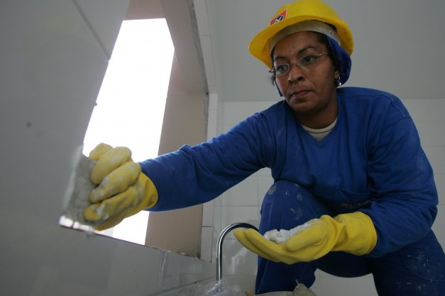 Inscrições aberta para curso de mulheres na construção civil