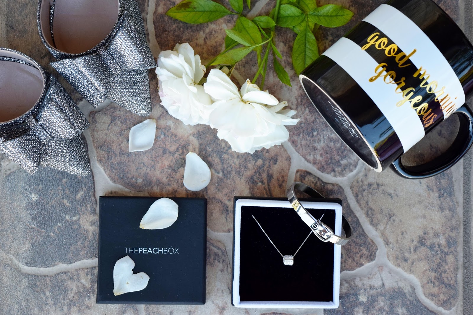 The peachbox, necklace, bracelet, peachbox, jewelry, glamour, sophisticated, Christmas gift, gift, coupon
