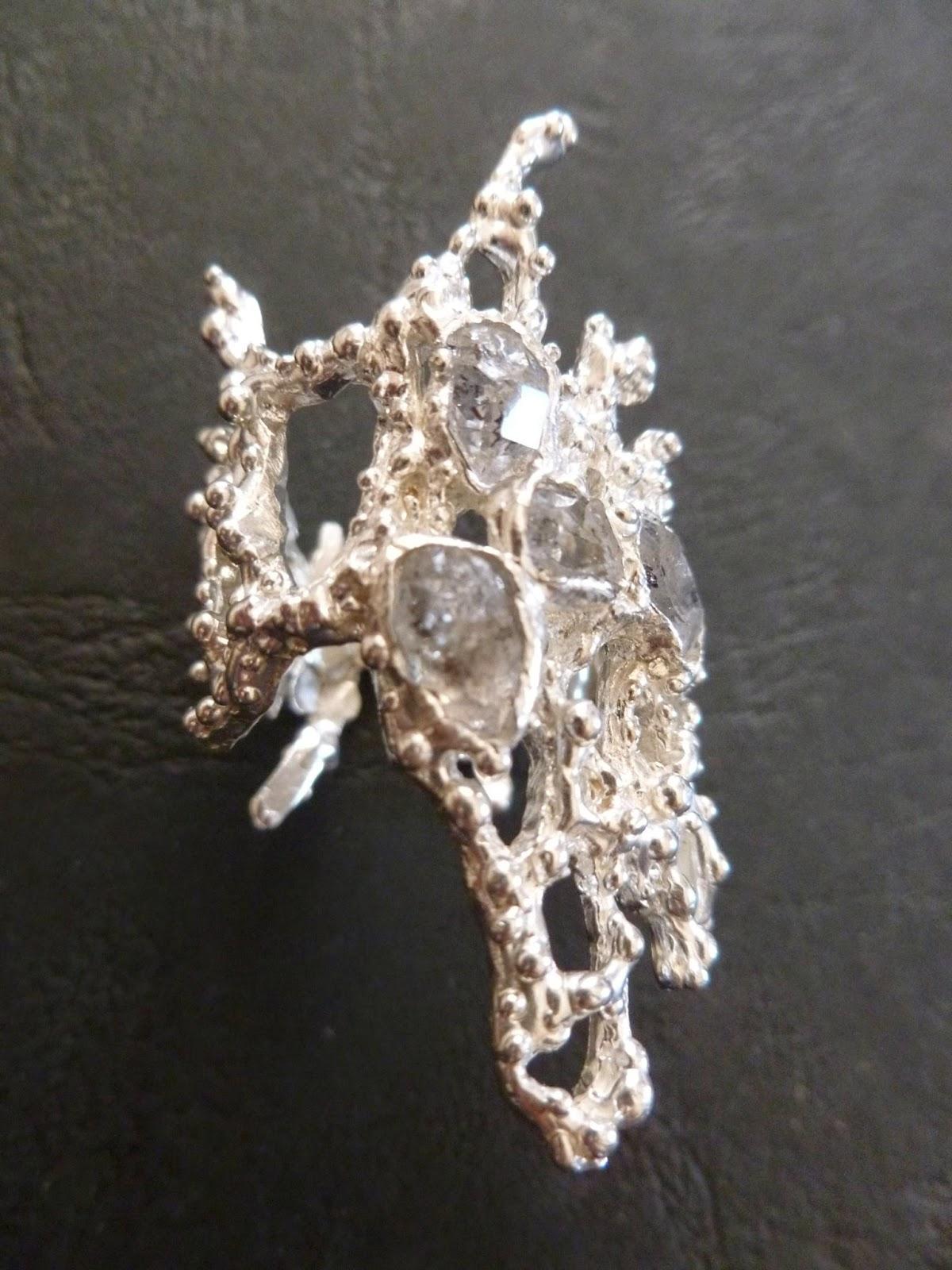 Coral anello in argento 925 e diamanti di Herkimer