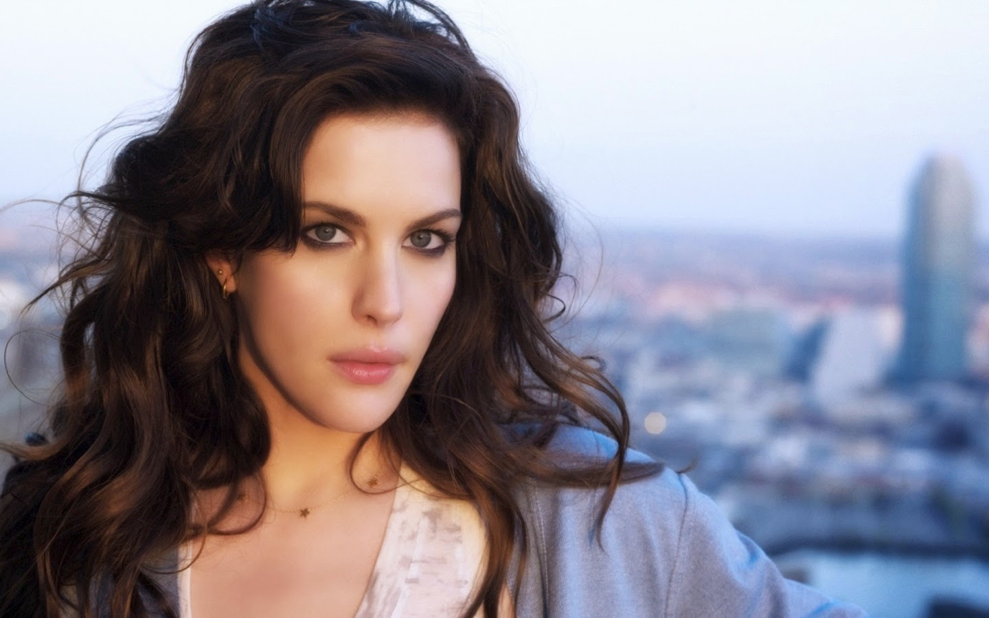 LIV TYLER_WALLSTOWN_IN_HOLLYWOOD ACTRESS_HOLLYWOOD CELEBRITIES