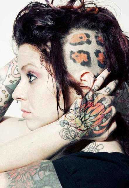 Tatuaje en la cabeza para mujeres