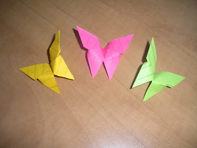 link to origami butterfly DIY tutorial at go origami