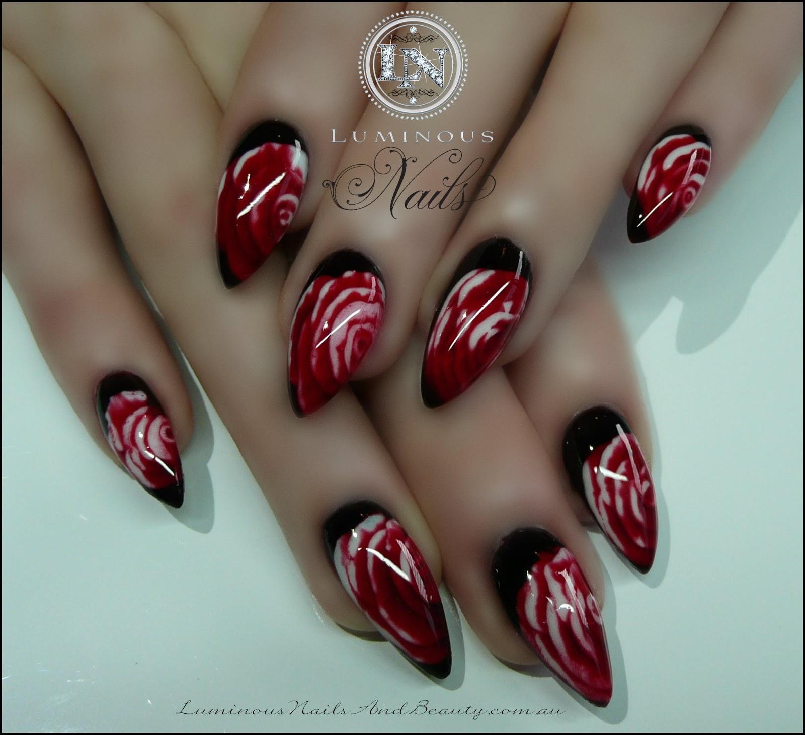 Маникюр красные острые ногти фото