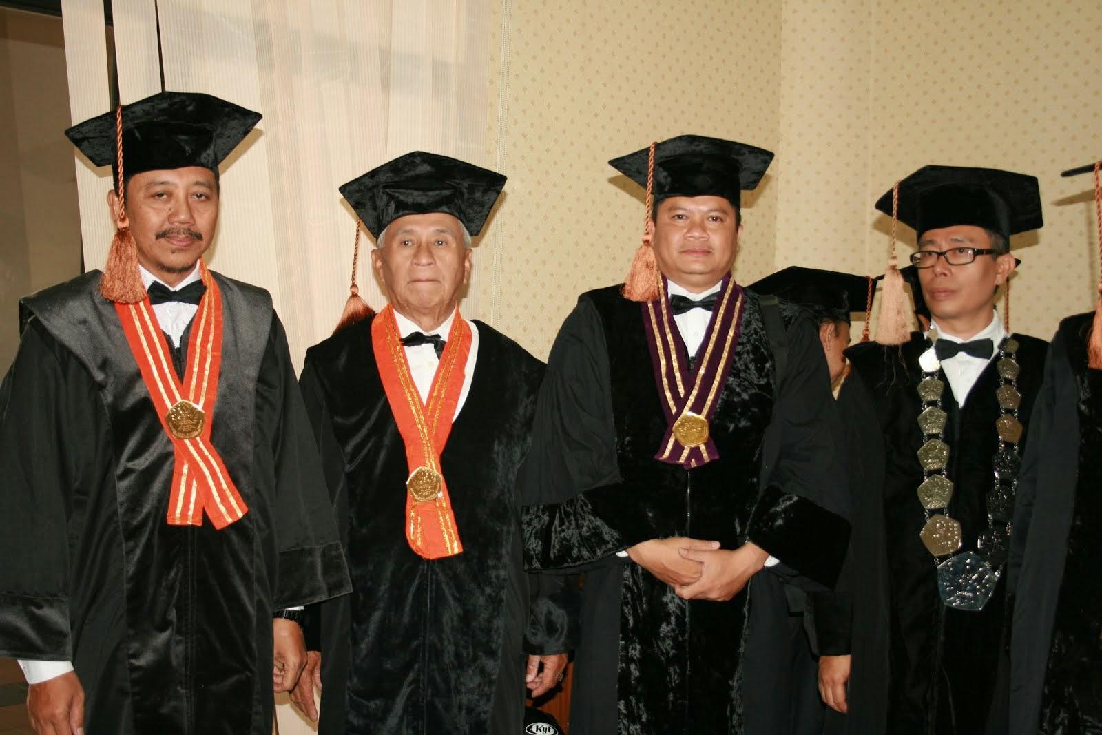 Bersama Anggota Senat Unpas.