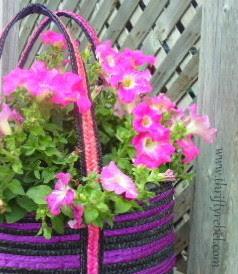 How to Make a Purse Planter / www.thriftyrebel.com