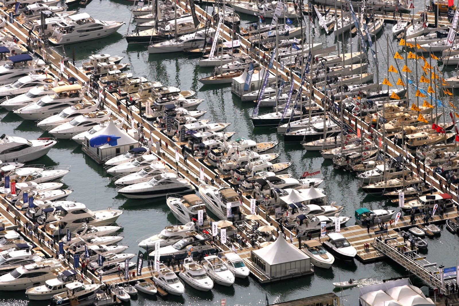7 Tips for Shopping a Boat Show
