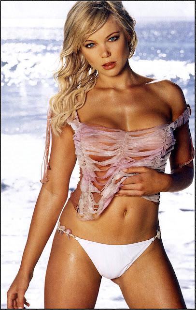 Aussie babe Holly Brisley.
