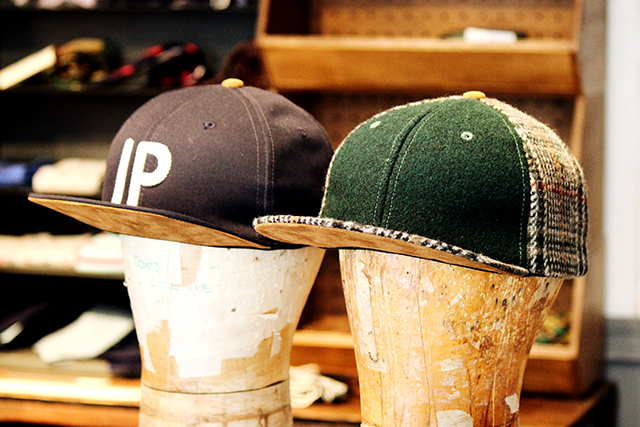 "Ivy Prepster ""Knight Hounds Tooth Plaid Cap"" Green/Ivory 9,936yen"