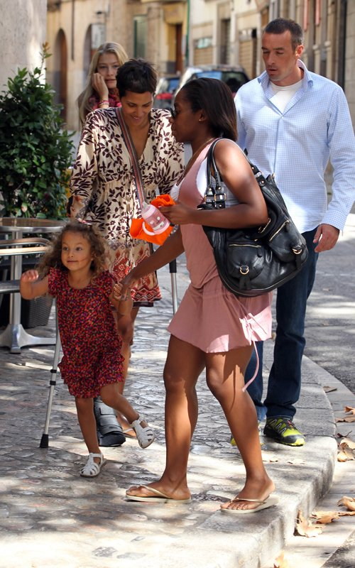 Spotted: Halle (On Crutches) And Nahla In Spain!