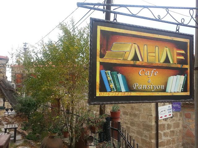 Sahaf Cafe Pansiyon -Yeşilyurt Köyü,Ayvacık,Çanakkale Tel: 0 286 752 08 52