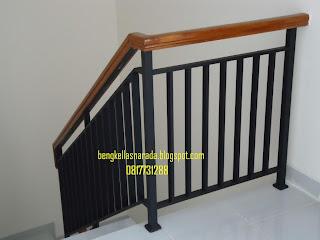 pegangan tangga minimalis