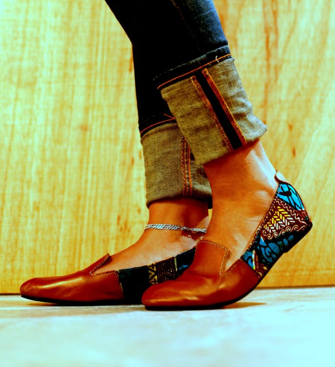 Continue reading I AM HOOKED ! 6 CONFORTABLE AFRICAN PRINT SHOES YOU NEED IN YOUR CLOSET THIS SUMMER