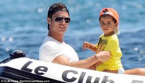 Anak Cristiano Ronaldo yang comel sudah besar