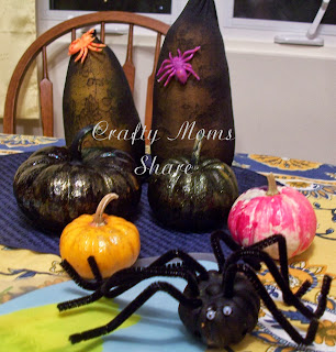 http://craftymomsshare.blogspot.com/2013/10/pumpkin-time-decorated-pumpkins-pumpkin.html