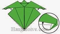 Bước 12: Gấp hai góc giấy vào trong giữa hai lớp giấy.
