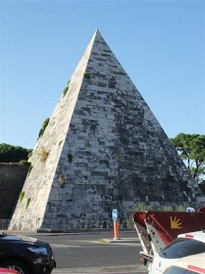 pyramid in rome italy