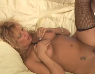 Sex nebun cu o blonda matura