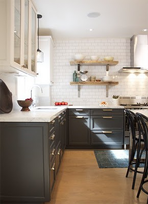 loft & cottage: mixing it up with cabinet colors