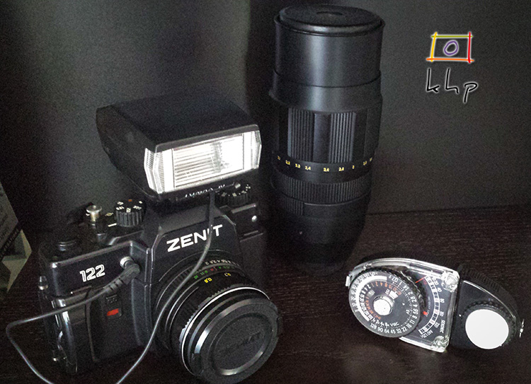 Zenit 122 and its accessories