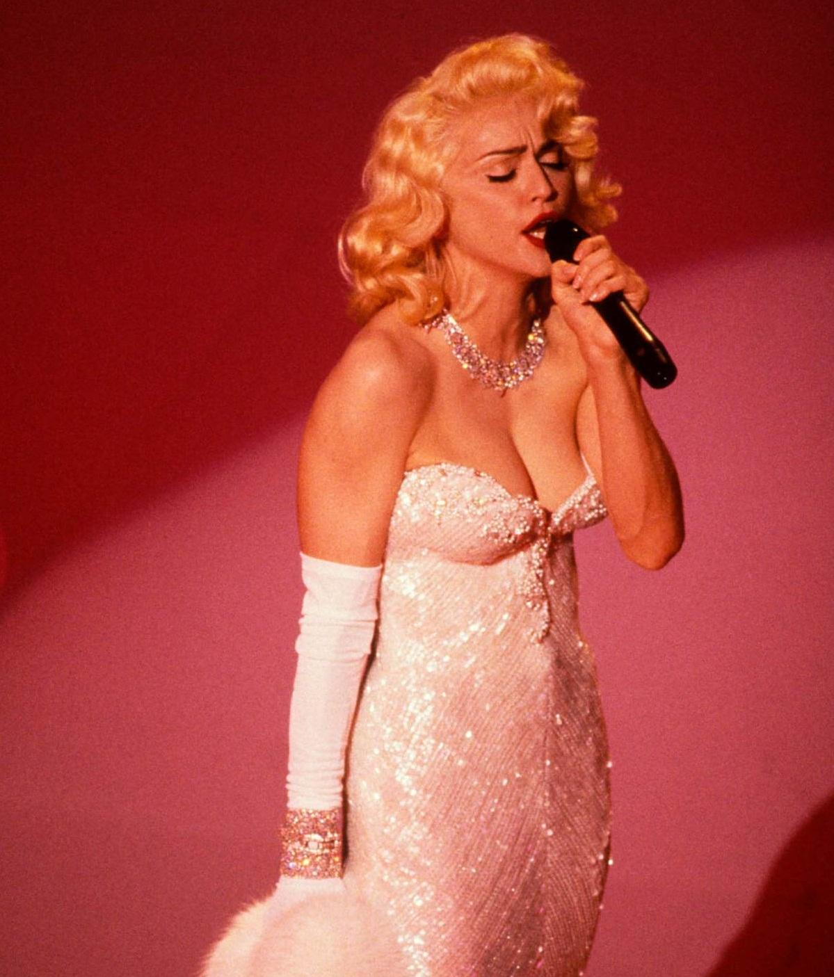 Madonna en las mejores performances en los Oscar