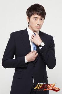 Lee Joon Hyuk sebagai Kim Young Jo