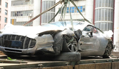 Aston Martin One-77 Crashes in Hong Kong