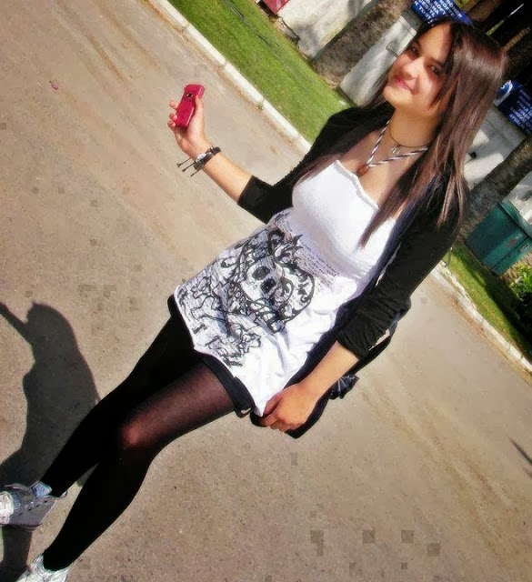... Univeristy Girls and Looking So Good Girls Mobile Online Chatting